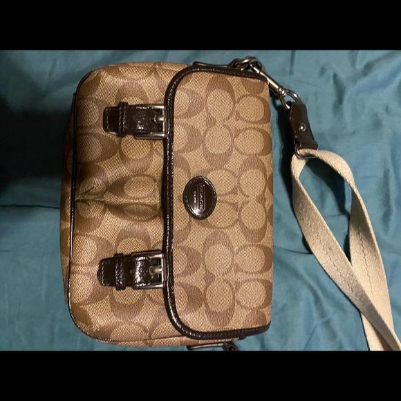 Coach Handbags - Small coach Crossbody
